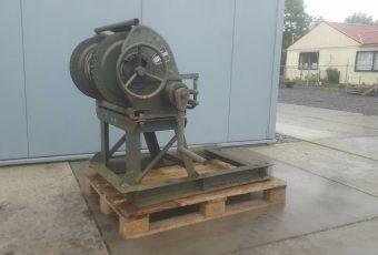 manual-winch-2-ton-4