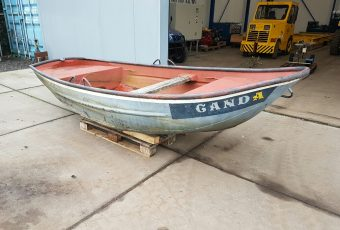 Steel Vintage Boat-5